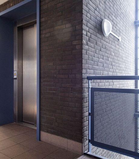Lift in Hengelose flat al weken stuk, bewoners zijn het zat
