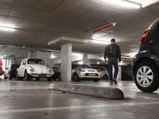 Gratis, overdekt en zo lang staan als je wil, oldtimers houden plekken in parkeergarage Doorn bezet: 'Knap irritant'
