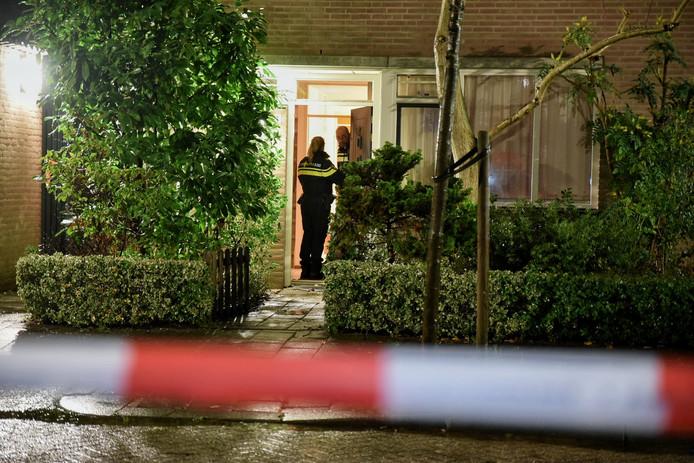 Het echtpaar werd gevonden in hun woning aan de Ordonnansenstraat in Tilburg.