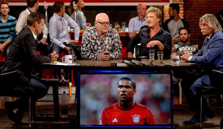 (VLNR) Wilfred Genee, Rene van der Gijp, Wim Kieft en Johan Derksen tijdens de opnames van het programma Voetbal Inside. Beeld anp