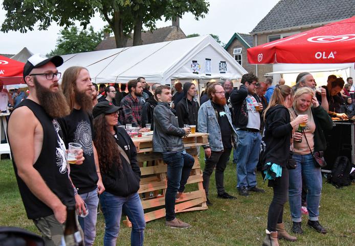 Voor het eerst hield het Zomerfestival op vrijdag een avond met alternatieve muziek, in samenwerking met het Gentse platenlabel Consouling Sounds.