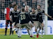 Ajax berooft Feyenoord van reddingsboei en bereikt bekerfinale