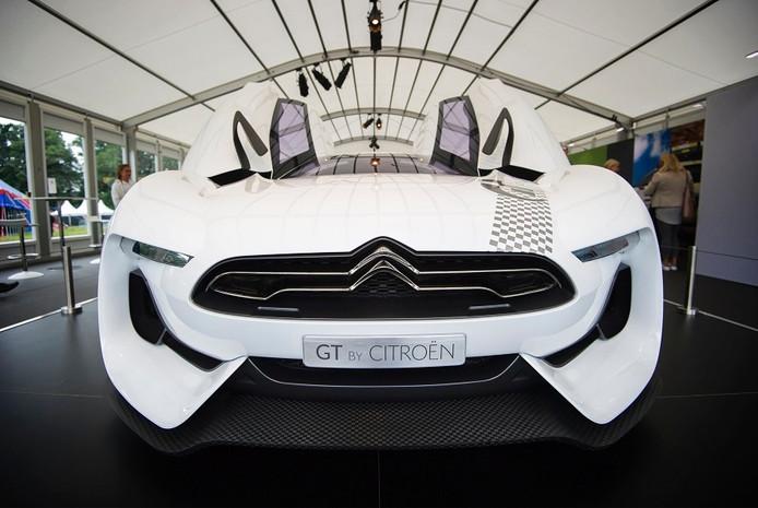 Spierwitte Citroën van 2,9 miljoen euro. De Steeg, Middachten, Evenement