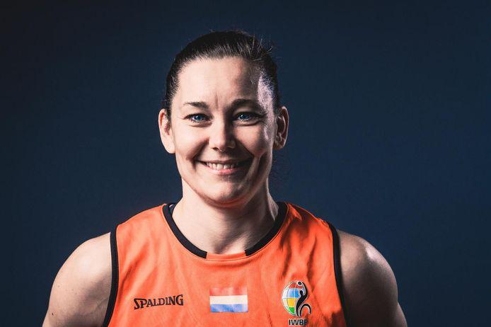 Carina de Rooij is aanvoerster van het Nederlands rolstoelbasketbalteam