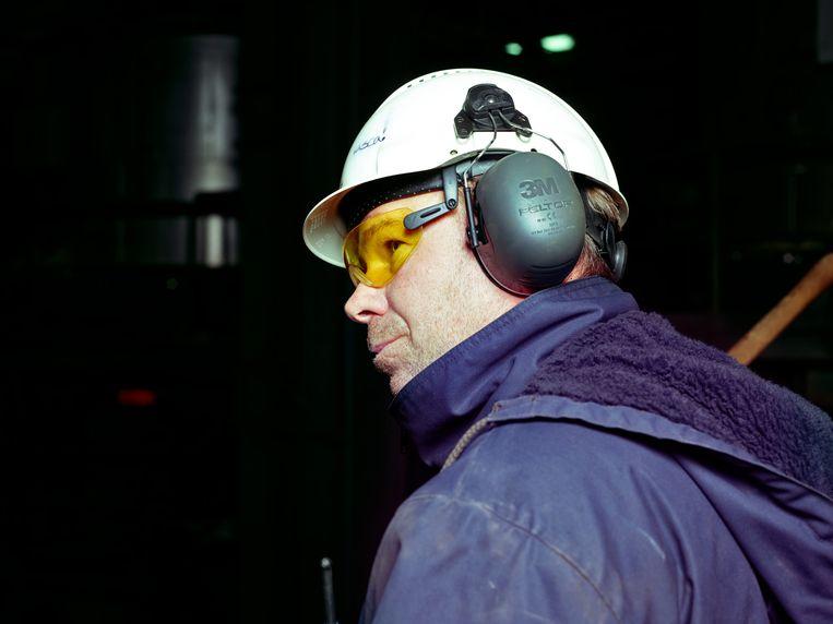 Pascal luistert. Ervaren technici die hun machines van binnen en van buiten kennen, horen meteen het verschil tussen een geruststellende en een alarmerende piep. Beeld Henk Wildschut