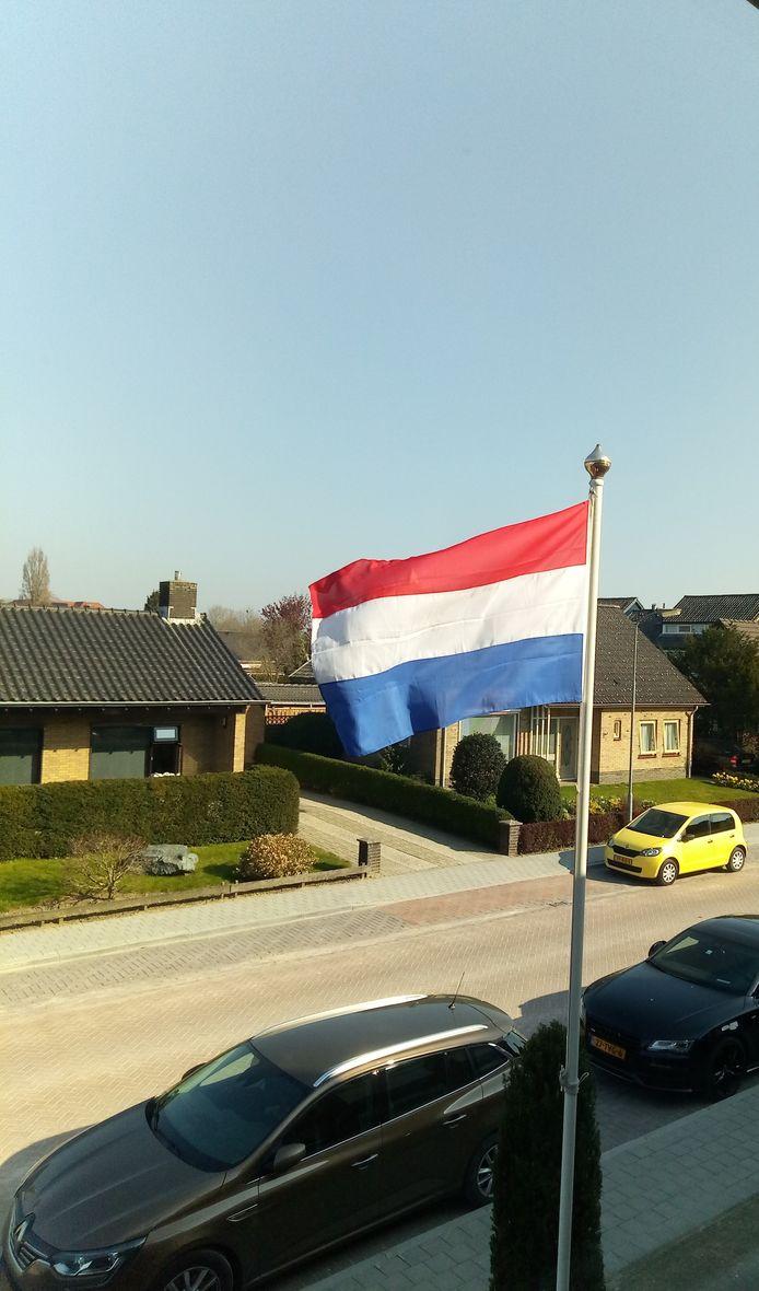 De vlag wappert in Giesbeek.