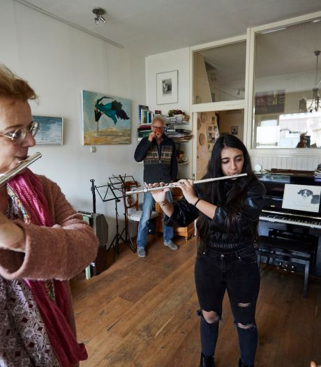 Sahel (16) kan eindelijk zingen en dwarsfluit spelen dankzij déze bijzondere actie van dit koor uit Zutphen