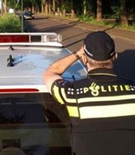 Acht hardrijders krijgen een bon na controle in Hardinxveld-Giessendam