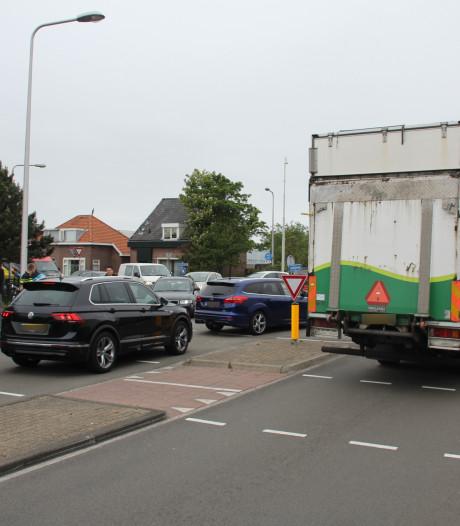 Defecte vrachtwagen zorgt voor verkeersinfarct in 's-Gravenzande