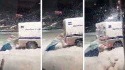 Moet je écht zien: man verkleed als prinses Elsa trotseert sneeuwstorm en schiet politie te hulp