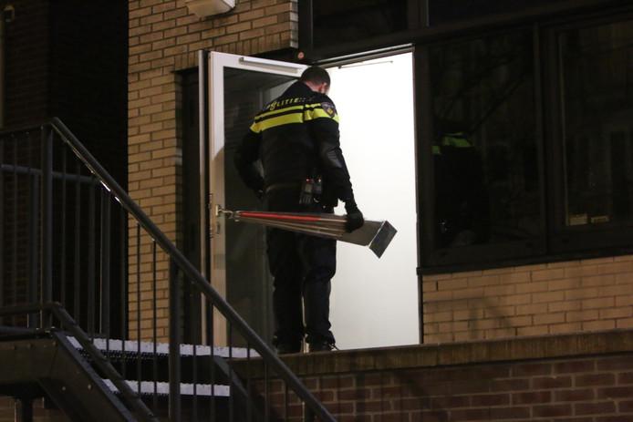Agenten kwamen af op een inbraakmelding maar vonden in plaats daarvan een partij illegaal vuurwerk