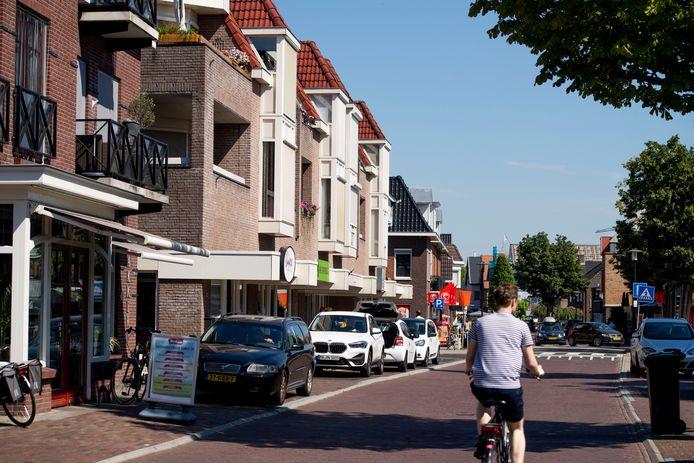 De winkels en de kantoren in de Enterse Dorpsstraat raken grotendeels weer bezet.