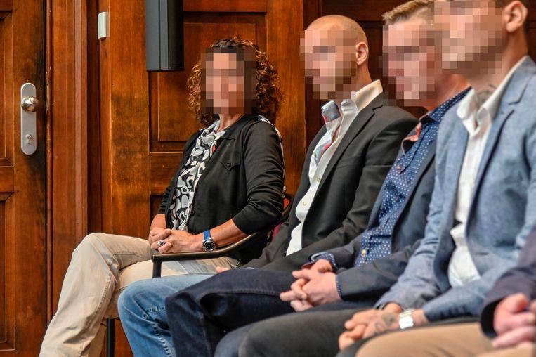 Vera Schouppe zat samen met haar zonen en nog een resem andere betrokkenen op de beklaagdenbank.
