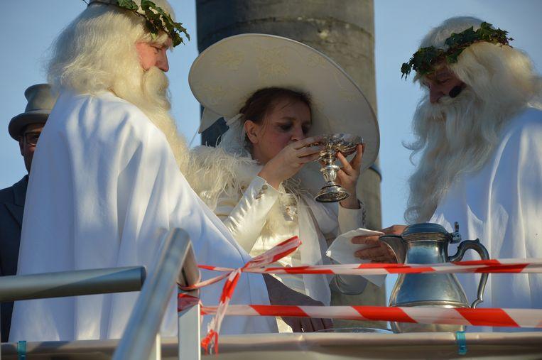 Schepen Ann Panis drinkt visjes op de Oudenberg.