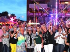 Familieterras van Dina Dusee al 25 jaar een begrip tijdens Tilburgse Kermis