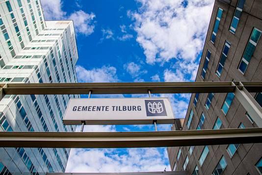 De gemeenteraad vergadert tijdelijk in Stadskantoor 6 gedurende de verbouwing van het gemeentehuis aan het Willemsplein.