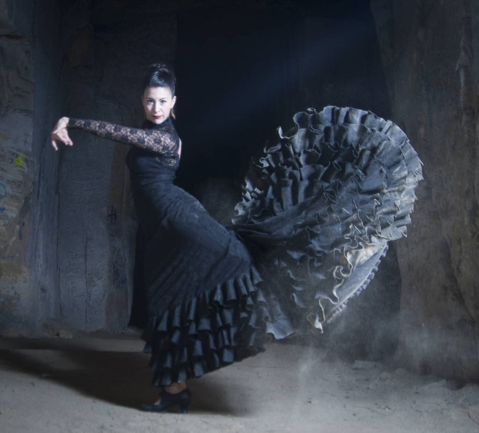 Jessica Achten in 'bata de cola' (staartjurk). foto Harold Dello