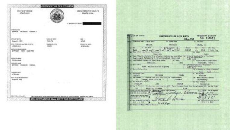 De geboorteakte van Obama (L) en de langere versie (R). EPA Beeld