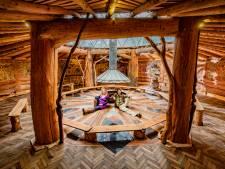 Maya en Mark bouwen NatuurTempel in Teuge: 'We lopen echt niet in een berenvelletje rond'