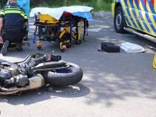 Gewonde bij botsing tussen motor en auto in Hapert