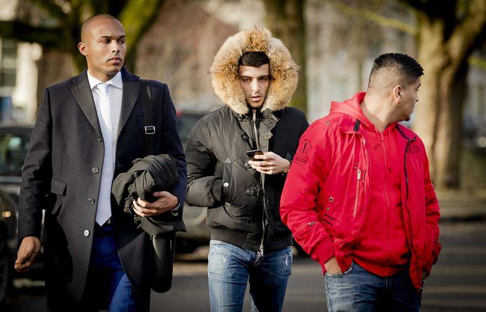 Rapper Boef (midden) twee weken geleden bij de rechtbank.