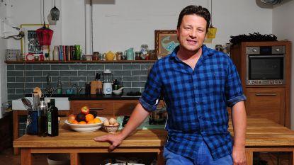 """Ex-werknemers van Jamie Oliver zijn niet blij met zijn grote uitgaven na faillissement: """"Hij is een dikke egoïst"""""""