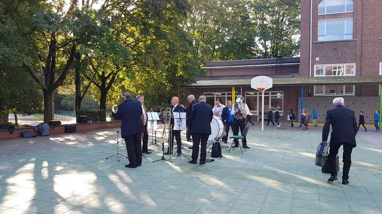 De basisschool van het Sint-Jozefcollege heeft een gloednieuwe speelplaats na 50 jaar.