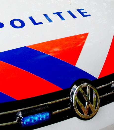 Automobilist rijdt door na botsing met scooter in Enschede