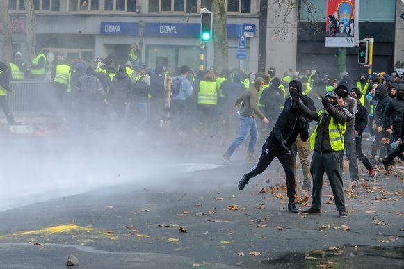 Gele Hesjes in Brussel bij een vorige betoging die er niet vreedzaam aan toeging.