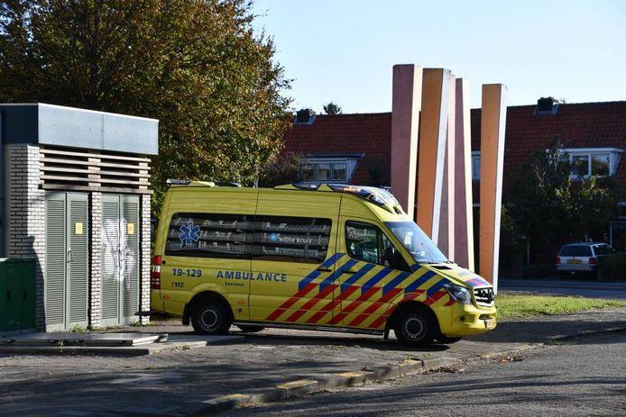 De ambulance bracht het slachtoffer naar het ziekenhuis.