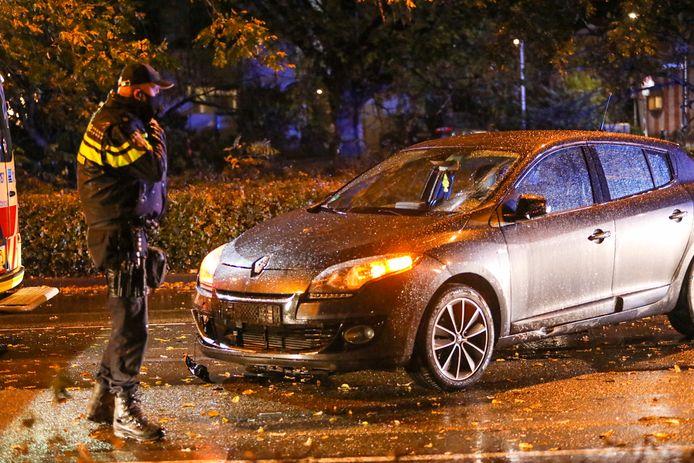 Zowel de auto als de scooter raakte bij het ongeval behoorlijk beschadigd.