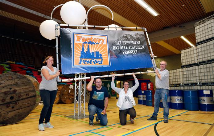 Factory Festival-vrijwilligers Vera Crosiers, Maarten Hemelsoet, Annelies Korst en Jan Vinke (vlnr).