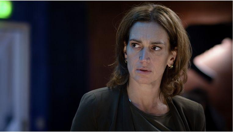 Monic Hendrickx als Carmen van Walraven. Beeld KRO