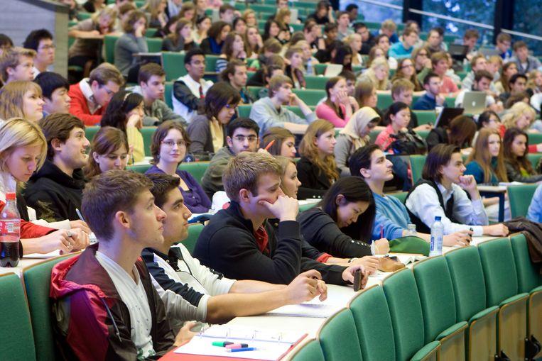 Studenten in een collegezaal van de Erasmus Universiteit. Beeld ANP