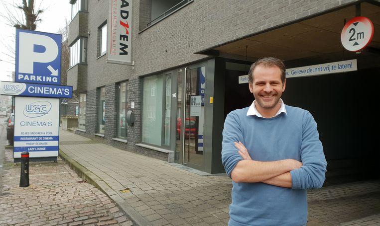 Bert Hermans aan de inrit van de UGC-parking