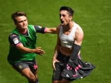 Leeds United kan Premier League ruiken na late zege op Swansea City