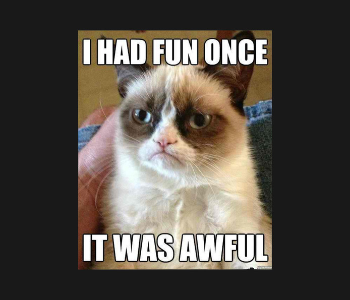 De eerste afbeelding van Grumpy Cat verscheen in september 2012 op Reddit. Het werd al snel een meme voor allerlei variaties op chagrijnige meldingen.