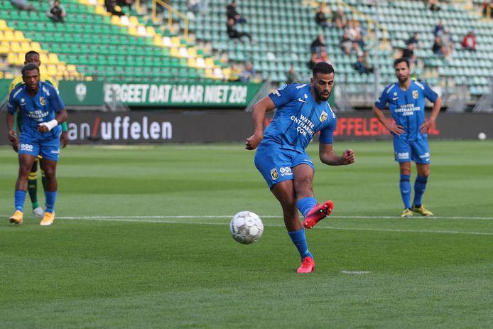 Oussama Tannane met de penalty.
