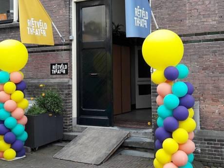 Jonge vluchtelingen volgen extra taallessen in Rietveld Theater