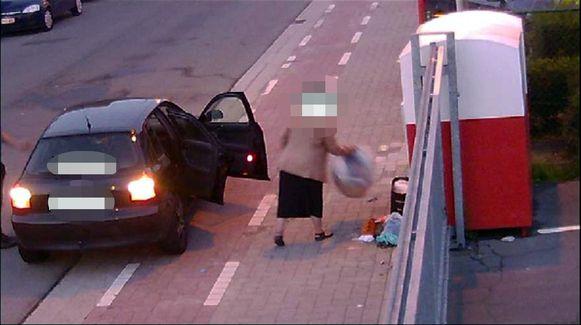 Sluikstorters zullen binnenkort in Sint-Niklaas worden bestreden met mobiele sluikstortcamera's.