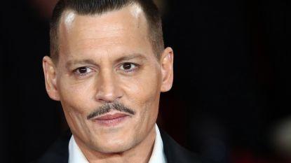 """""""Wodka, tranen en maandelijks 25.000 euro aan wijn"""": zo kapot was Johnny Depp na breuk Amber Heard"""