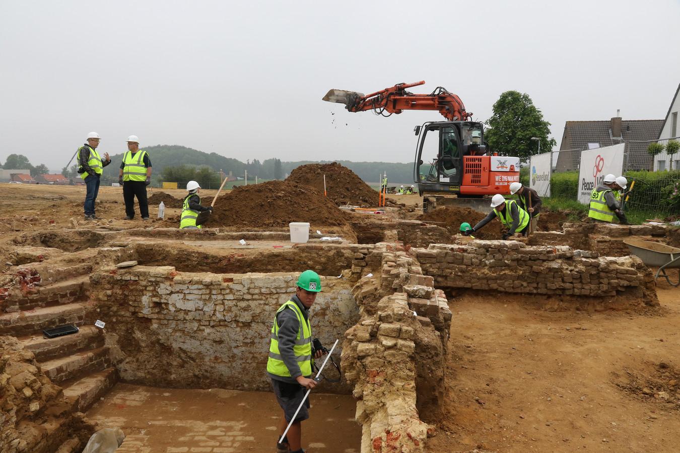 Bij de archeologische werken op Hill 80 in Wijtschate werden ruim 100 stoffelijke resten van gesneuvelde soldaten gevonden. Voor hen wordt nu een herdenkingsconcert georganiseerd.