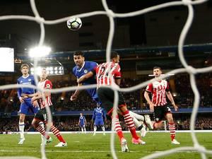 Chelsea overtuigend langs Saints in heerlijk duel