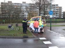 Fietsster gewond bij aanrijding op rotonde in Soest