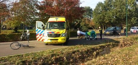 Fietsster gewond na botsing met auto op De Branten in Soerendonk