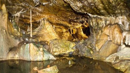 Vlaming valt in diepste grot van ons land en zit 75 meter onder de grond vast