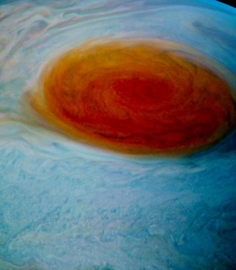 Grote planetaire storm vastgelegd op prachtige beelden
