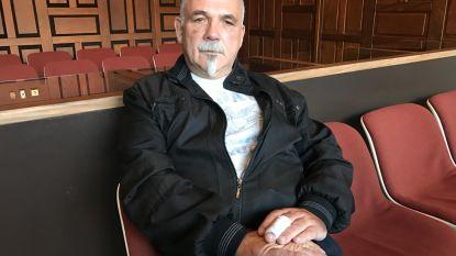 Terwijl Luc (61) voor zijn leven vecht na hartaanval, beroven zijn vrienden hem