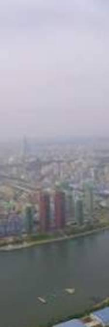 Piloot maakt unieke beelden van 'verboden stad' Pyongyang