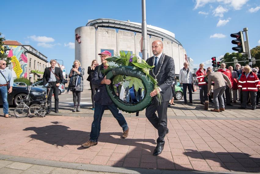 Burgemeester Marcouch, vorig jaar bij de herdenking van de evacuatie van Arnhem.